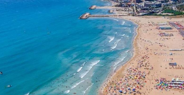 تعبير عن نزهة على شاطئ البحر